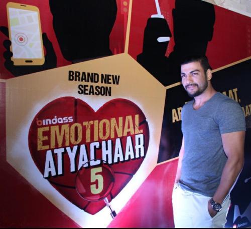 Pravesh Rana - Emotional Atyachaar