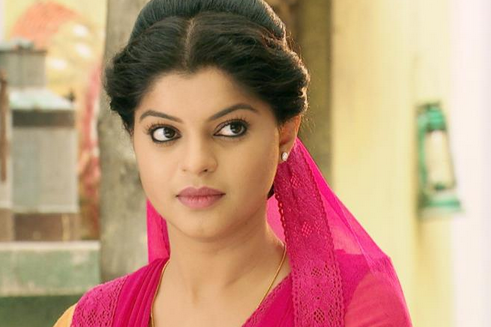 Sneha wagh to bid adieu ratan to die in star plus veera ratan gets to know about dilawar putting a bomb in the harvest godown she rushes to save the harvest as its related to all the farmers life voltagebd Choice Image
